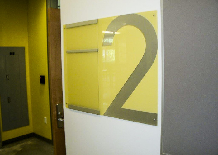 parking garage signs, portland parking garage signs, washington parking, washington sign company