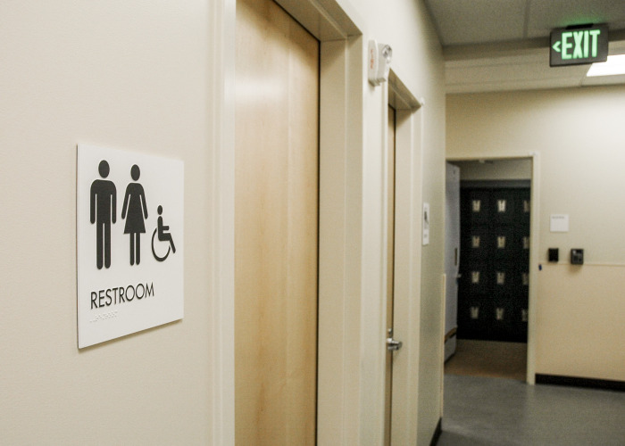 wayfinding signs, restroom sign, ada signage, oregon sign company, sign company